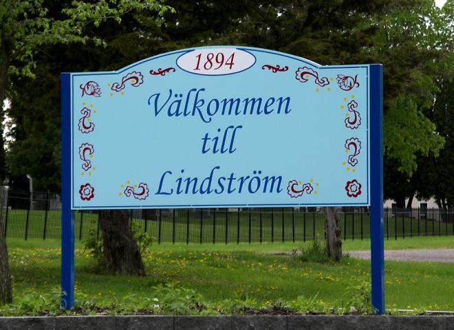 Vid infarten till staden Lindström i MInnesota. I utvandrarnas fotspår i USA