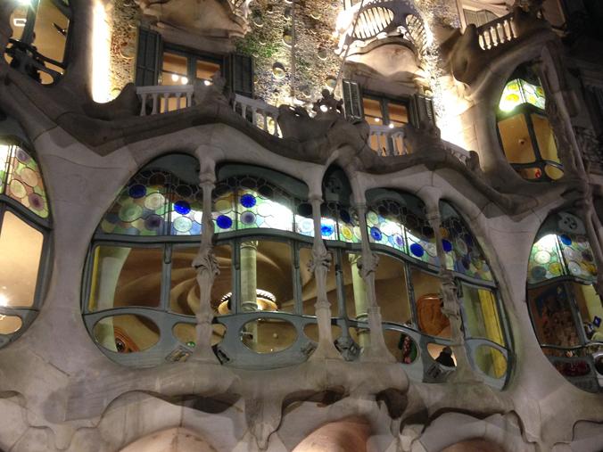 Casa Battló på natten