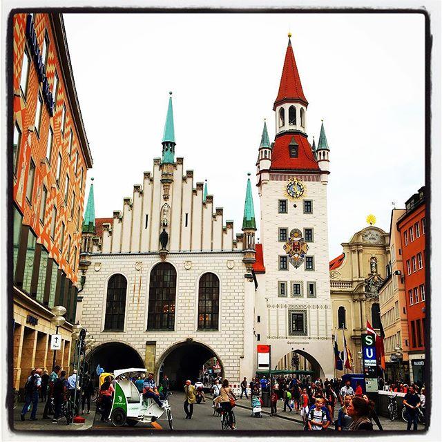 Det gamla stadshuset på Marienplatz i München.